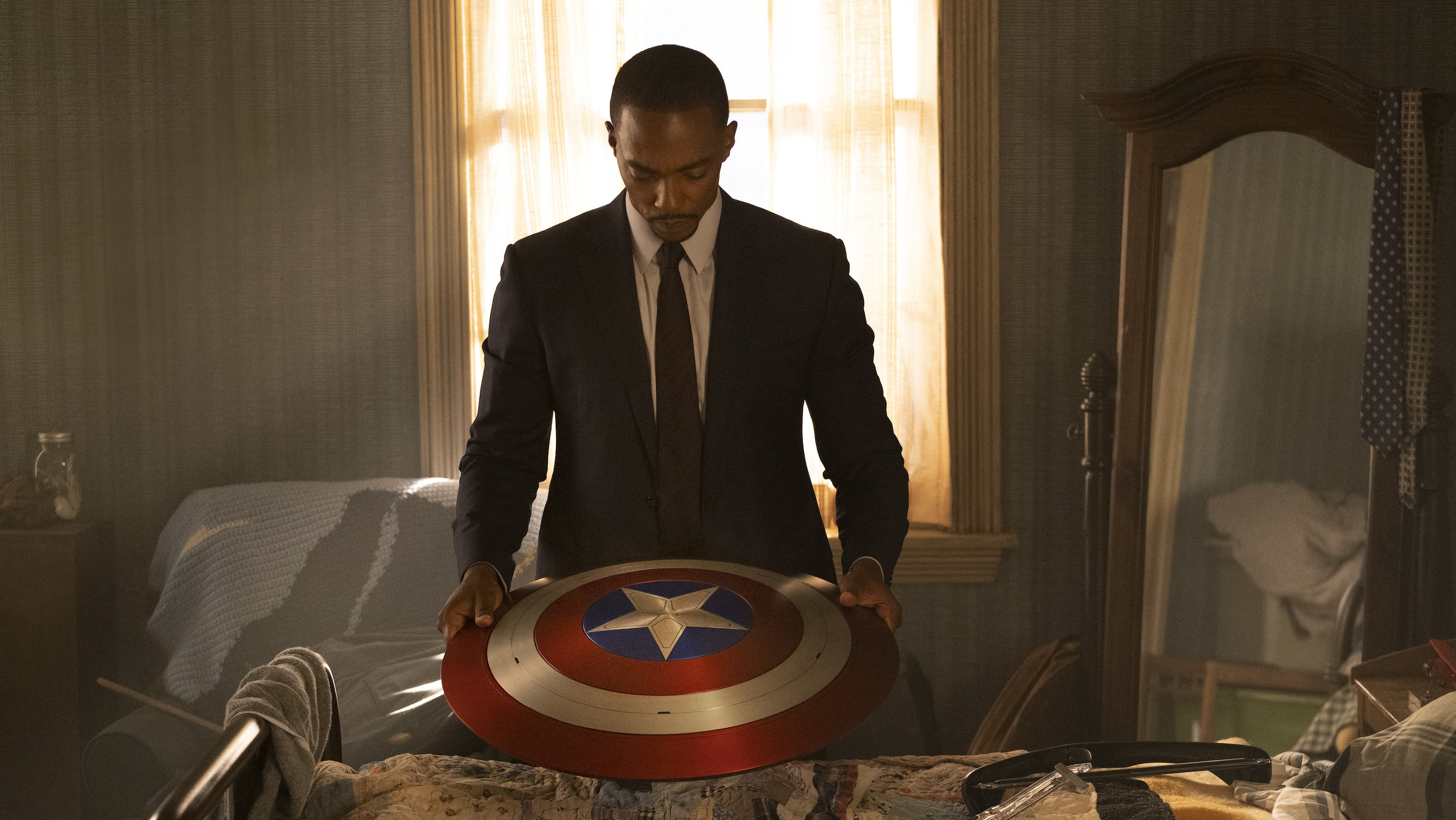 Falcon/Sam Wilson (Anthony Mackie) in Marvel Studios' THE FALCON AND THE WINTER SOLDIER exclusively on Disney+. Photo by Chuck Zlotnick. ©Marvel Studios 2020. All Rights Reserved.