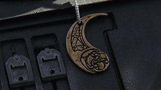 Otomok Medallion