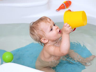 Games to Play in the Bath with Baby | Disney Baby