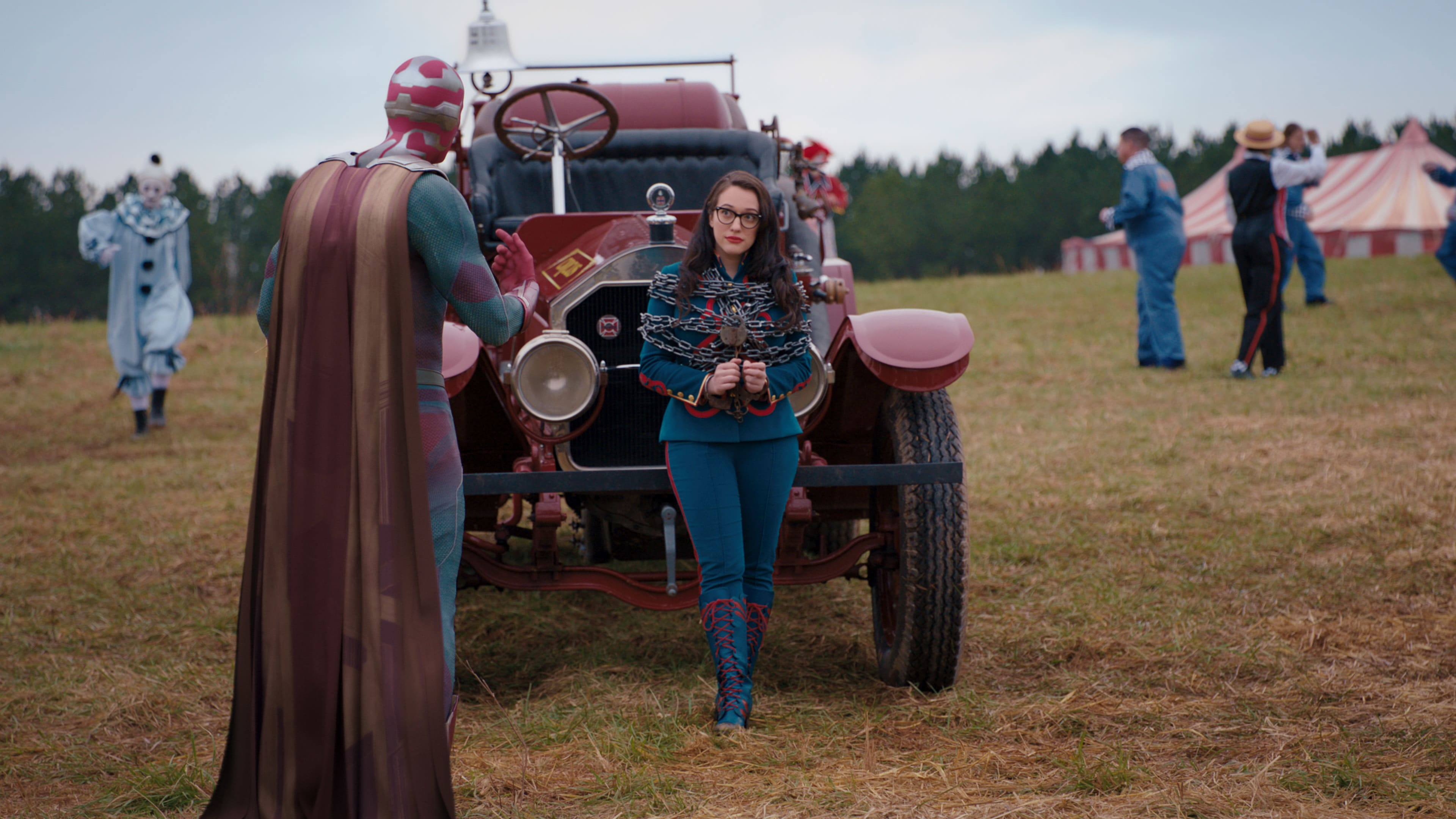 (L-R): Paul Bettany as Vision and Kat Dennings as Darcy Lewis in Marvel Studios' WANDAVISION exclusively on Disney+. Photo courtesy of Marvel Studios. ©Marvel Studios 2021. All Rights Reserved.