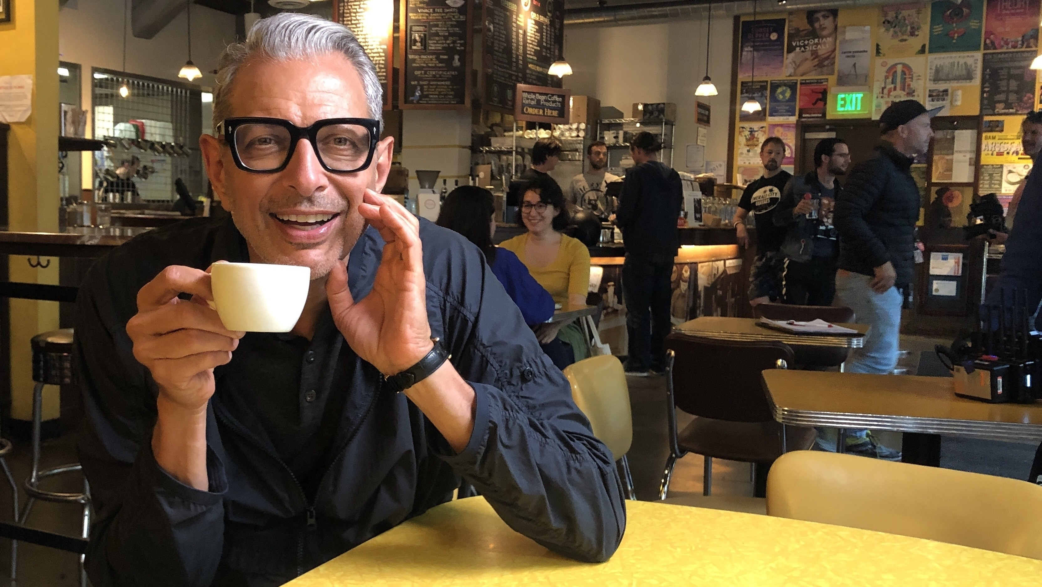 El-mundo-según-Jeff-Goldblum-café