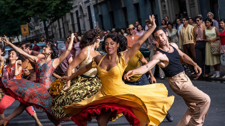 『ウエスト・サイド・ストーリー』ダンスナンバー「America (アメリカ)」がニューヨークの街に鳴り響く!華やかなダンスシーンに胸躍る新映像到着!!