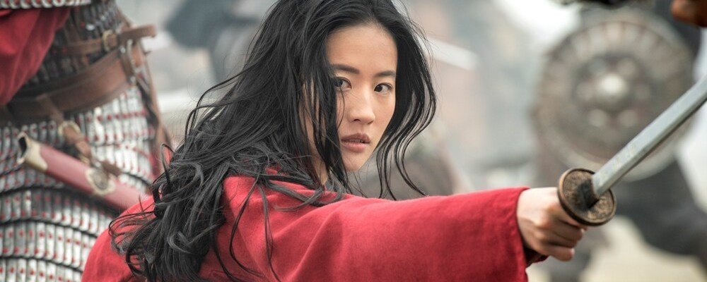 Yifei Liu as Mulan in battle